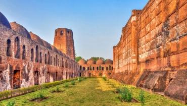 বাংলার প্রথম স্বাধীন নবাবের জীবনকথা : মুর্শিদকুলি খান