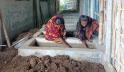 শিবগঞ্জে দুই বোনের কেঁচো সার তৈরি, যোগ দিয়েছে গ্রামের মেয়েরাও