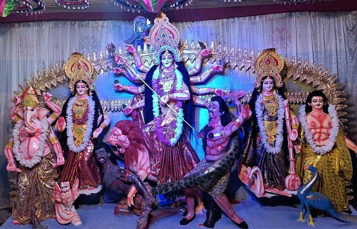 বর্ণিল সাজে সেজেছে শিবগঞ্জের ৫৯ শারদীয় দুর্গা মন্দির